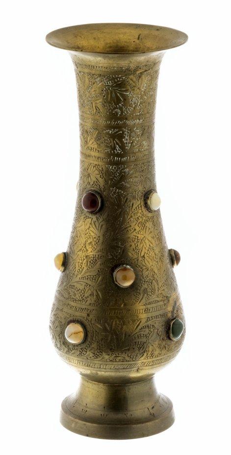 купить Ваза для цветов в восточном стиле украшенная гравировкой и натуральными камнями, латунь, Индия, 1970-1990 гг.