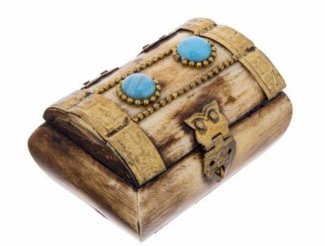 купить Шкатулка в форме сундука, с вставками из натуральных камней, латунь, кость, натуральные камни, Индия, 1970-1990 гг.