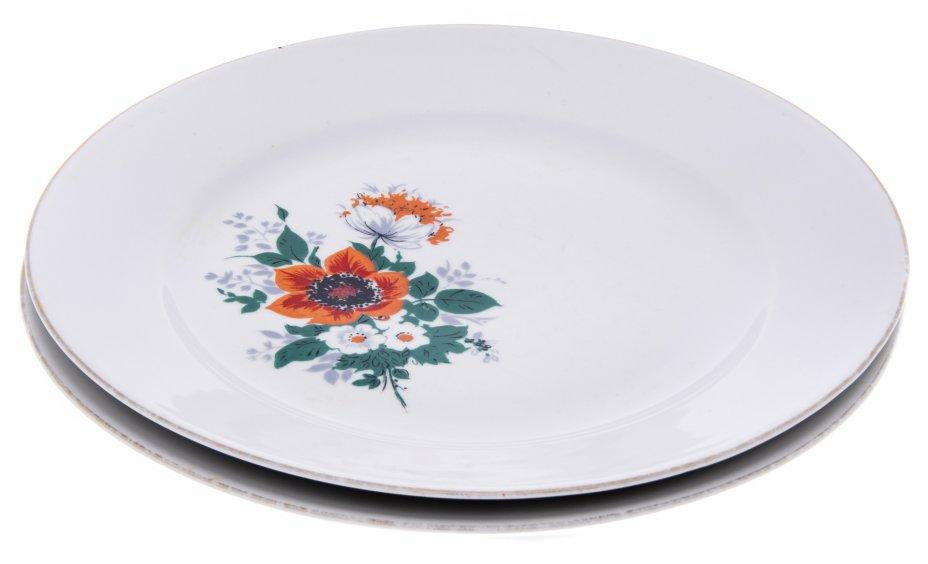 """купить Набор из двух тарелок, декорированных изображениями цветов, фарфор, деколь, мануфактура """"Kahla"""", Германия, 1970-1980 гг."""