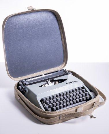 """купить Печатная машинка """"Consul"""" в родном кофре, металл, Чехословакия, 1953-1980 гг."""