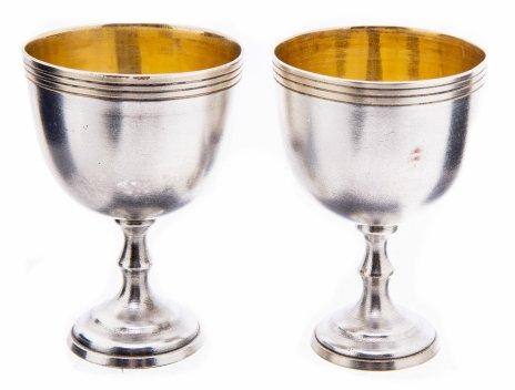 купить Набор из двух стопок для крепких напитков на ножках, сплав металла, СССР, 1970-1990 гг.