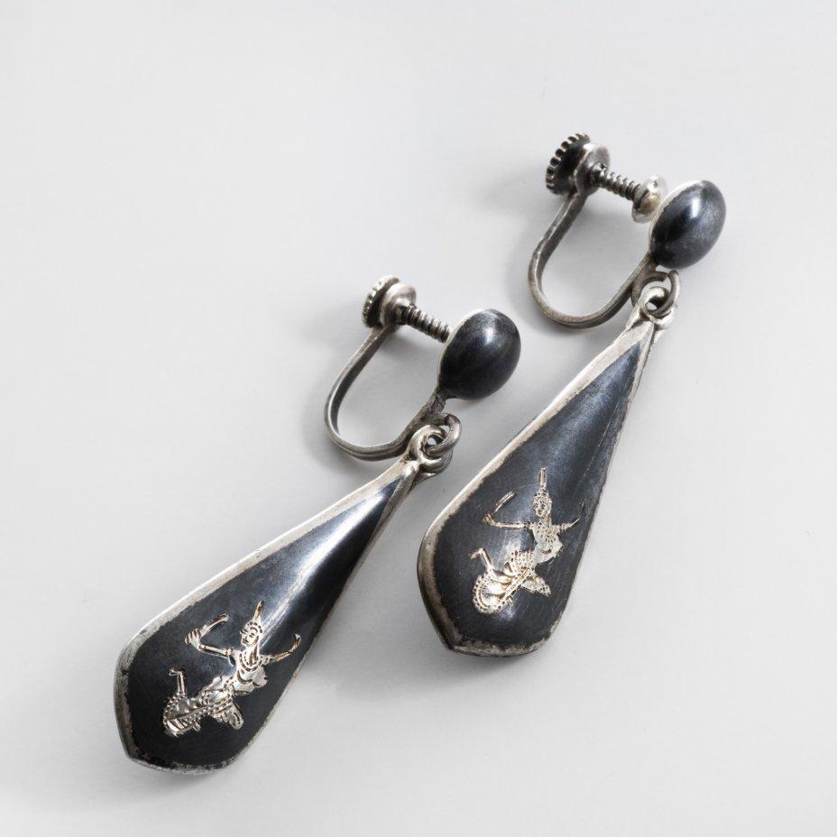 """купить Клипсы с подвесами в форме капель """"Танцующая"""", серебро 999 пр., гравировка, Индонезия, 1990-2010 г."""