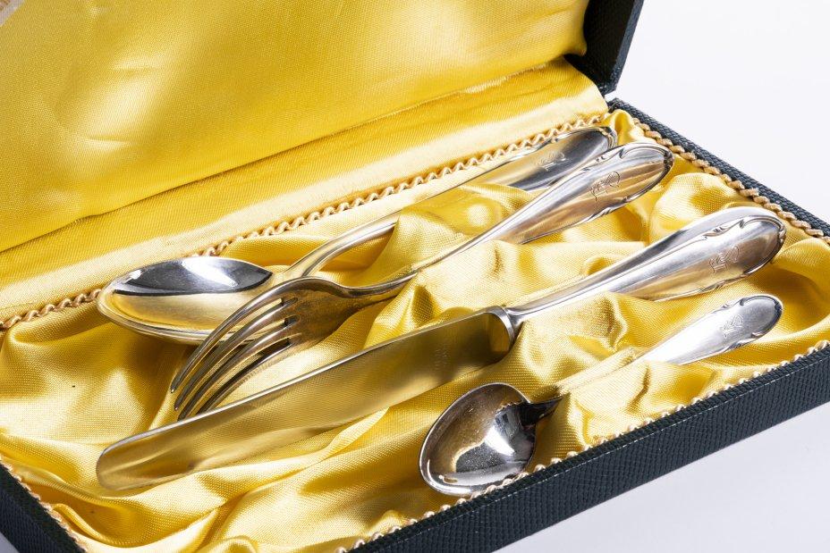 """купить Набор """"Эгоист"""" из 4 предметов с монограммой в оригинальной коробке, сталь, серебрение, мануфактура """"Friedrich Wenz"""", Германия, 1970-1990 гг."""