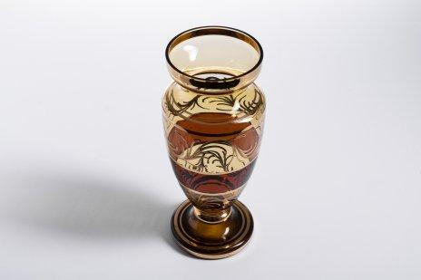 купить Ваза для цветов из двухцветного стекла, цветное стекло, роспись, золочение, Чехословакия, 1960-1980 гг.