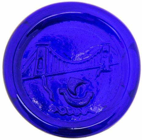 """купить Плакетка настольная в память о плавании Джона Кэбота в 1497 году на корабле """"Мэтью"""", худ. Peter Hewlett, кобальтовое стекло, Англия, 1990-2010 гг."""