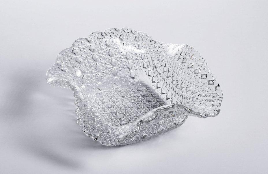 купить Вазочка (конфетница) декорированная рельефным геометрическим орнаментом, стекло, СССР, 1970-1990 гг.