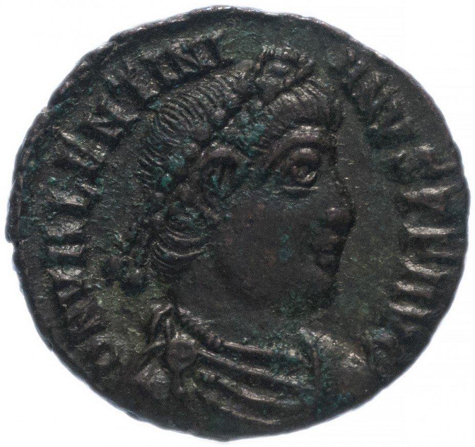 купить Римская Империя Валентиниан I 364-375 гг центенионалис (реверс: император идет вправо, волочит пленника)