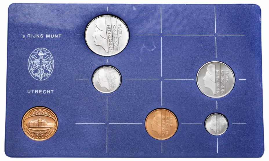 купить Нидерланды набор монет 1984 (5 монет+жетон в футляре)
