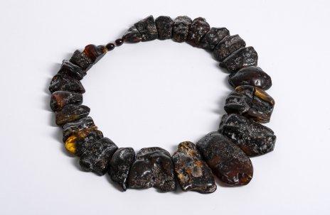 купить Колье из необработанного янтаря с крупными элементами различной формы, Индонезия, 2000-2010 гг.