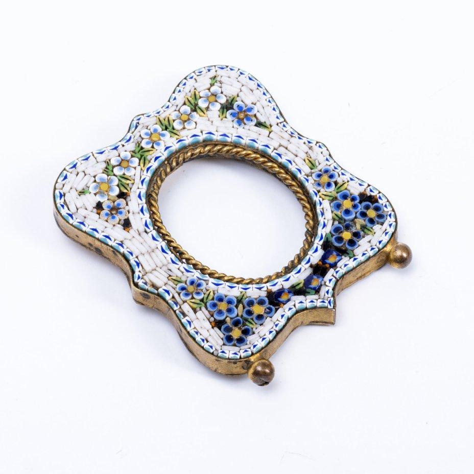 купить Миниатюрная рамка для фотографии, декорированная цветочным узором микромозаики, латунь, стекло, Италия, 1910-1930 гг.