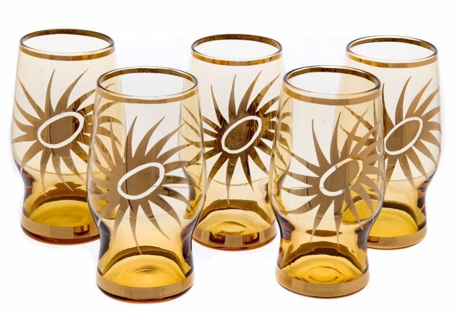 купить Набор стопок с золотым ободком и декором в виде солнца (5 штук), цветное стекло, золочение, Чехословакия, 1970-1990 гг.