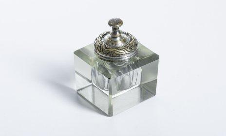 купить Чернильница из толстого стекла с орнаментальной крышкой, бронза, стекло, Западная Европа, 1970-1990 гг.