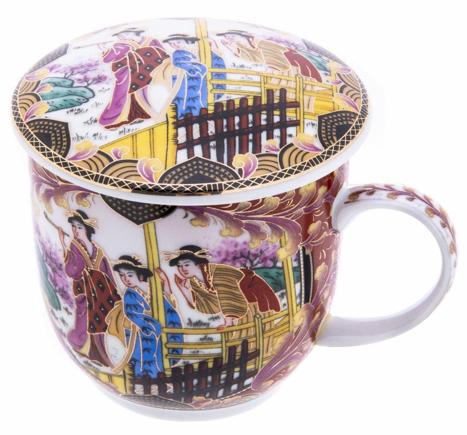 купить Чайная чашка с крышкой украшенная изображением бытовой сцены, фарфор, деколь, Китай, 2000-2020 гг.