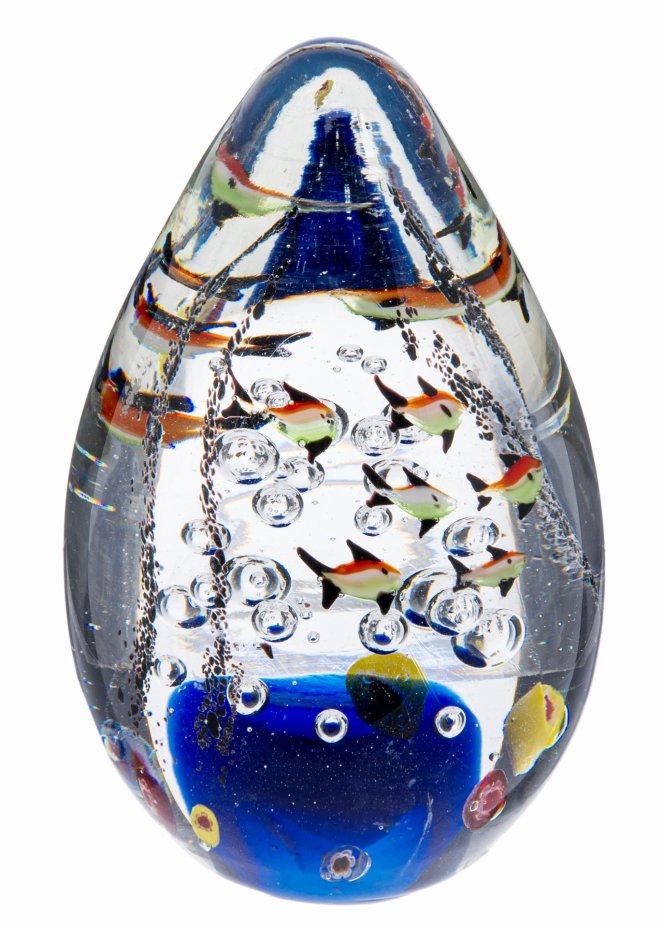 """купить Пресс-папье в форме яйца """"Рыбки"""", стекло, Россия, 2000-20015 гг."""