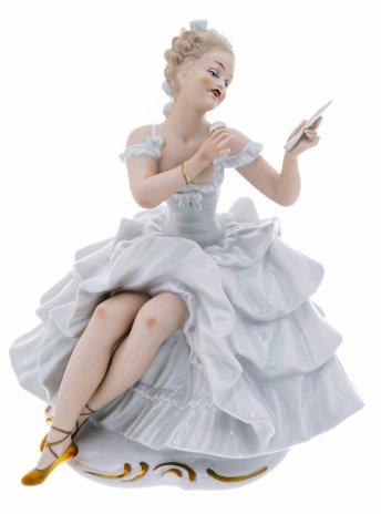 """купить Статуэтка """"Балерина за туалетом"""", фарфор, роспись, мануфактура """"Wallendorf"""", Германия, 1960-1970 гг."""