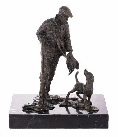 """купить Статуэтка """"Охотник с собакой и ружьем (Охота на дичь)"""", бронза, камень, скульптор: Archibald Thorburn, Западная Европа, 1970-1990 гг."""