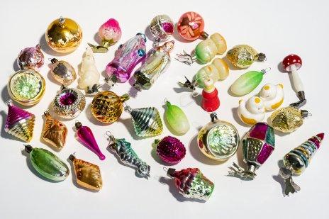 купить Набор из 53 елочных игрушек (в подборе), стекло, дерево, пенопласт, СССР, 1950-1980 гг.